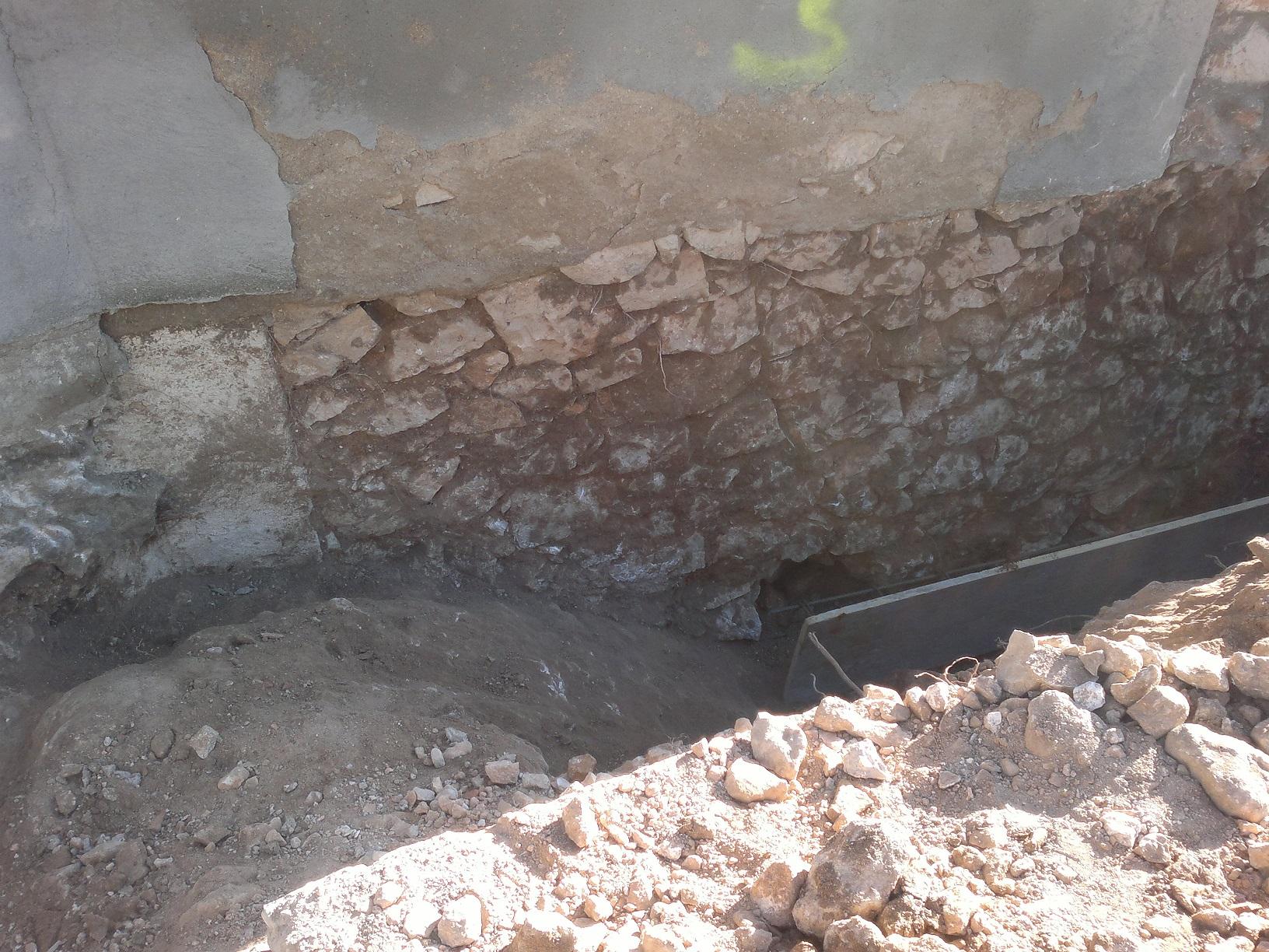 Piedra soporte estructura de casa.jpg